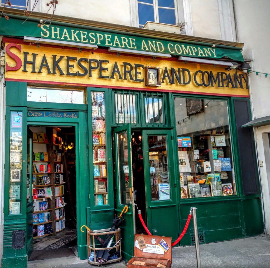 shakespeare and company, paris, books-1701307.jpg